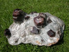 store krystaller bjergarter
